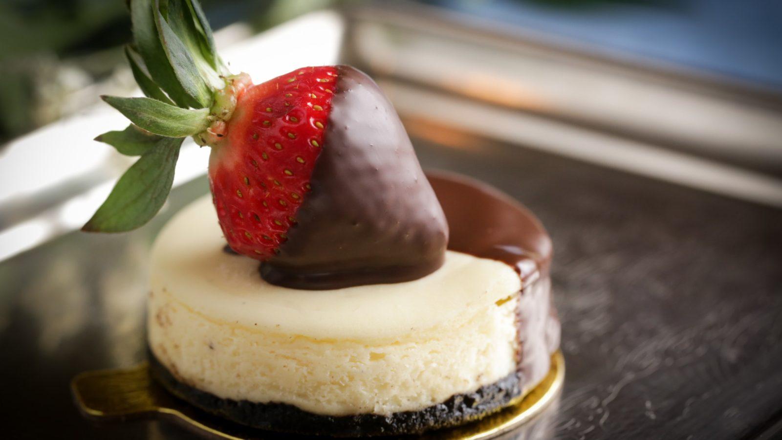 Individual Black and White Cheesecake